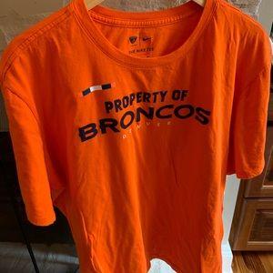 Denver Broncos T-shirt nfl equipment